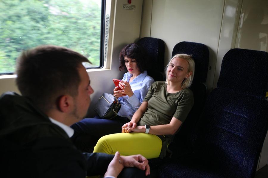 Пассажирский дизель-поезд ДПКр-2
