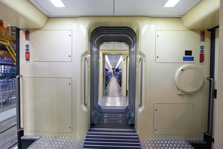 Скоростной двухсистемный электропоезд  ЕКр-1
