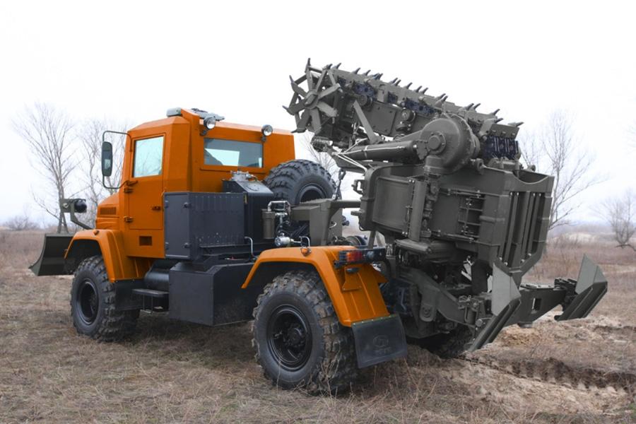 Траншейно-котлованная (баровая) машина КВСЗ-4003