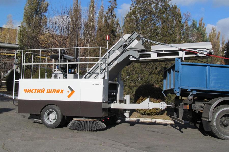 Підмітально-прибиральна машина  КВСЗ-4002 «Чистий шлях»