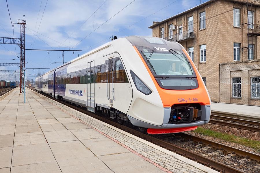 Пассажирский дизель-поезд ДПКр-3