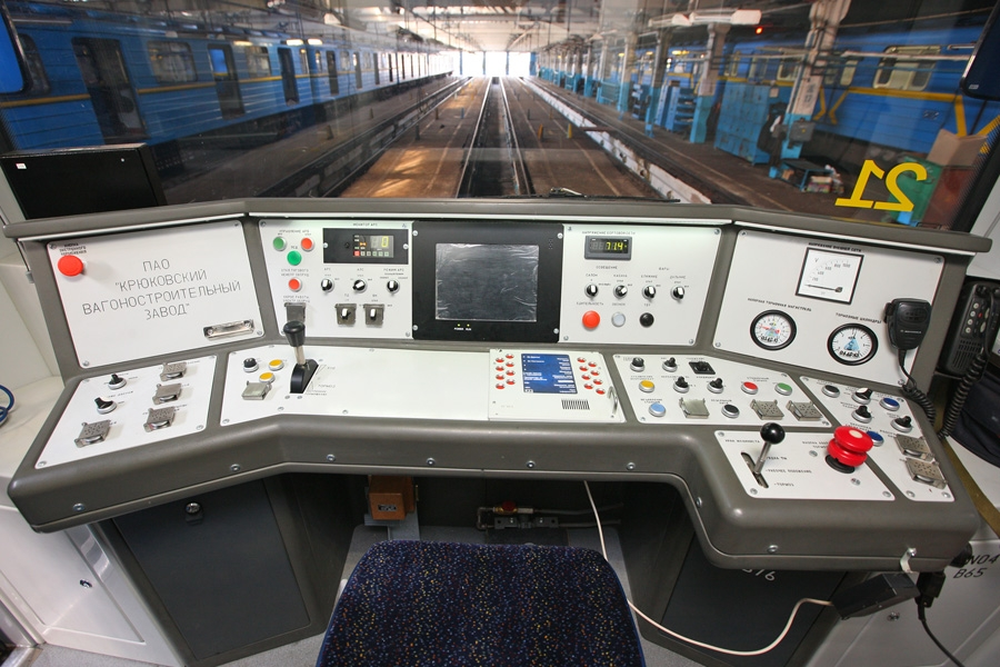 Пульт управління кабіни машиніста головного вагона мод. 81-7036 електропоїзди метро