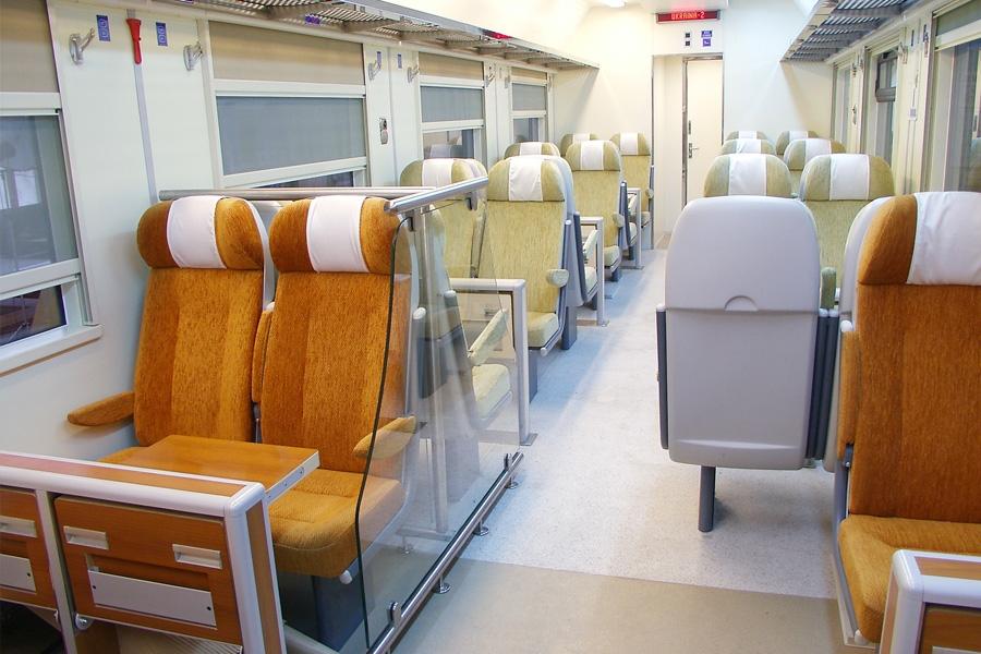 Пассажирский вагон с местами для сидения мод. 61-788